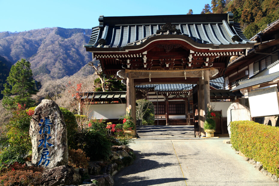 "You may have a chance to stay at ""Shukubo"", a temple lodging in Minobu area. (photo: Shimizubo)"